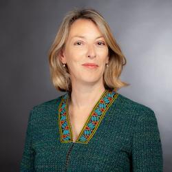 Suzanne   Raine
